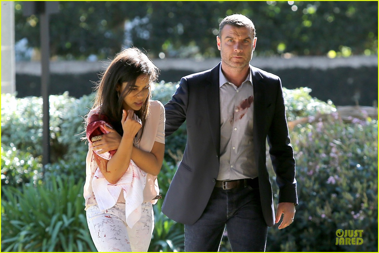 liev schreiber sports fake blood for ray donovan 02