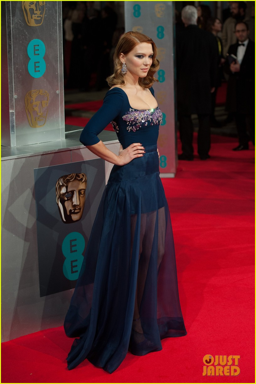 lea seydoux shows blue is the warmest color at baftas 2014 13