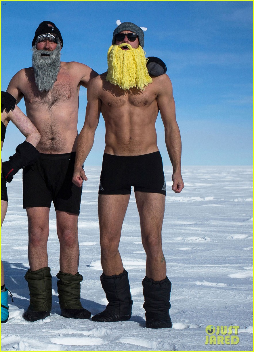 alexander skarsgard strips down at the south pole in new pic 053057509
