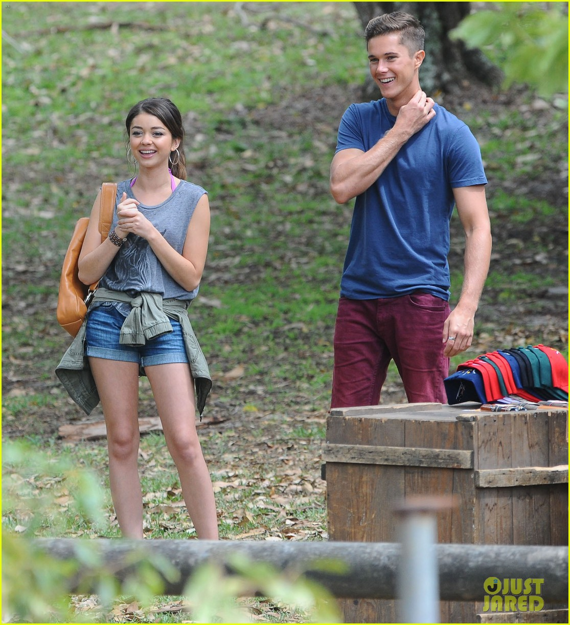 sofia vergara nick loeb sydney zoo trip with modern family co star 04