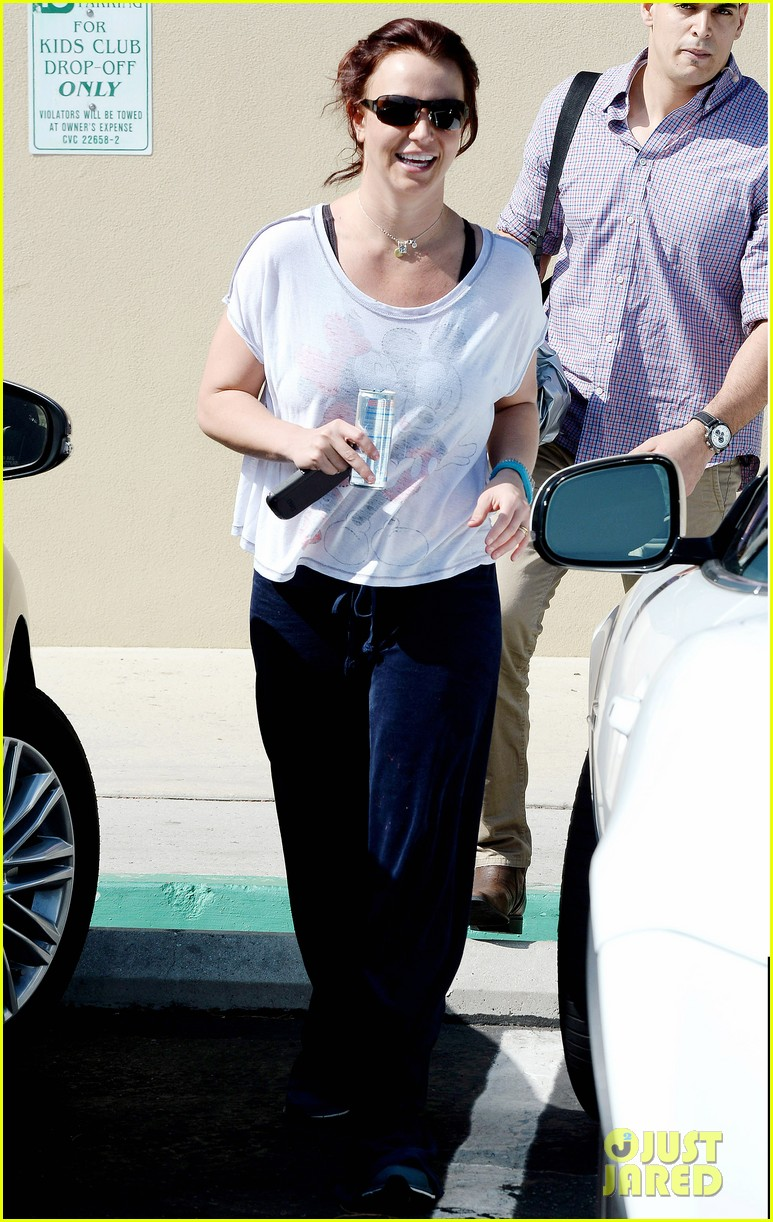 britney spears keeps in shape during long vegas hiatus 08
