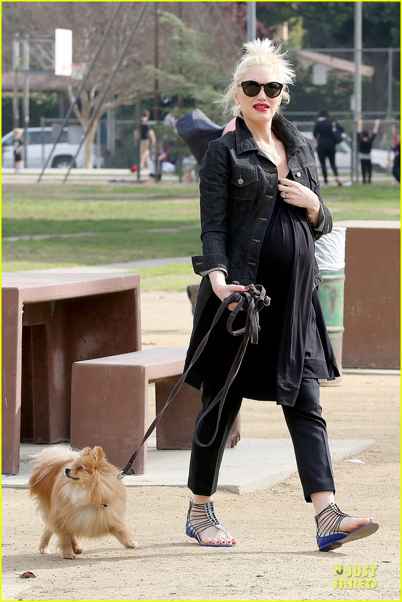 gwen stefani looks about ready to pop in brentwood 11