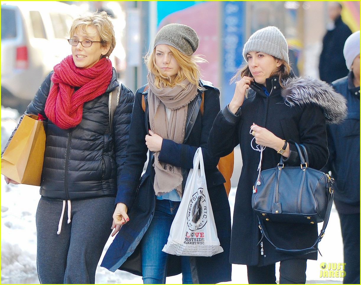 emma stone untitled cameron crowe project release date announced 063053829