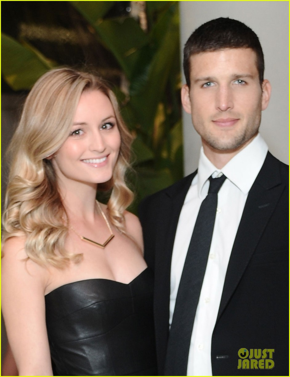 geoff stults parker young enlisted at cdg awards 2014 06