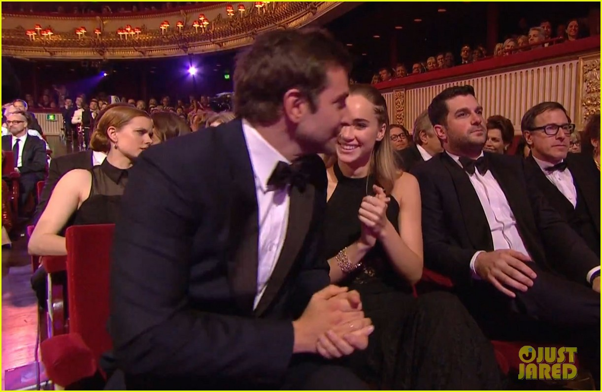 bradley cooper baftas 2014 with girlfriend suki waterhouse 03
