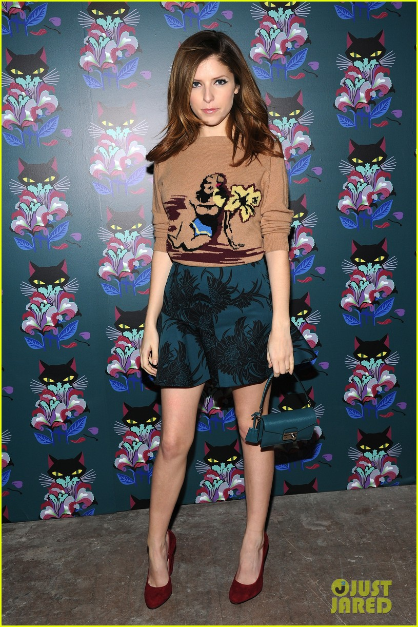 bella thorne hailee steinfeld join in on the fun at miu mius spark light event 07