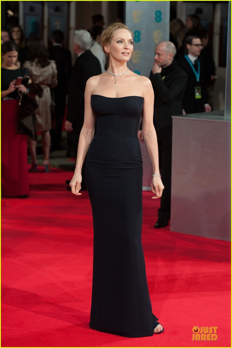 uma thurman baftas 2014 red carpet 02