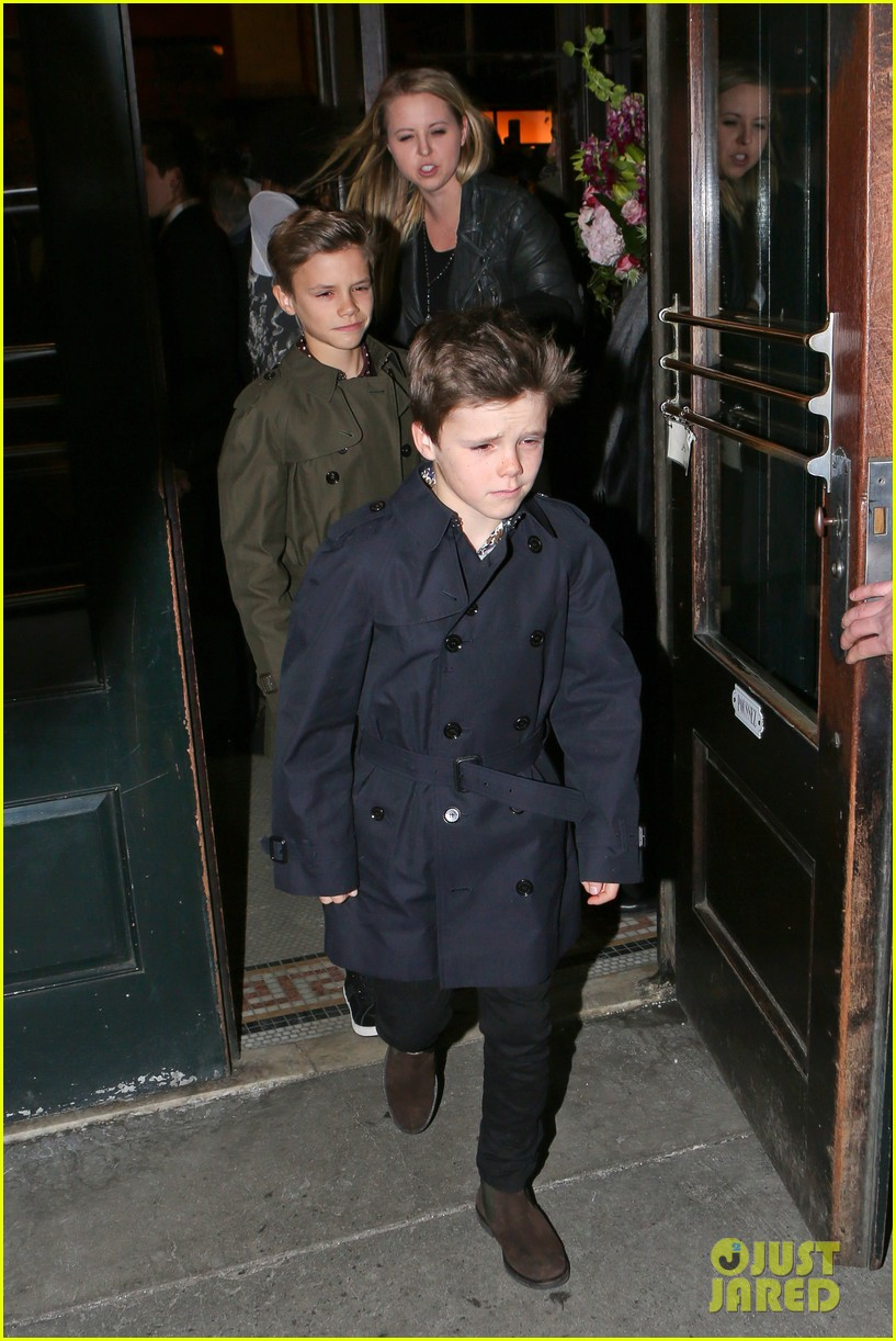 victoria beckham david kids front row fashion show 043050282