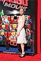 mark wahlberg busy philipps lego movie premiere 10