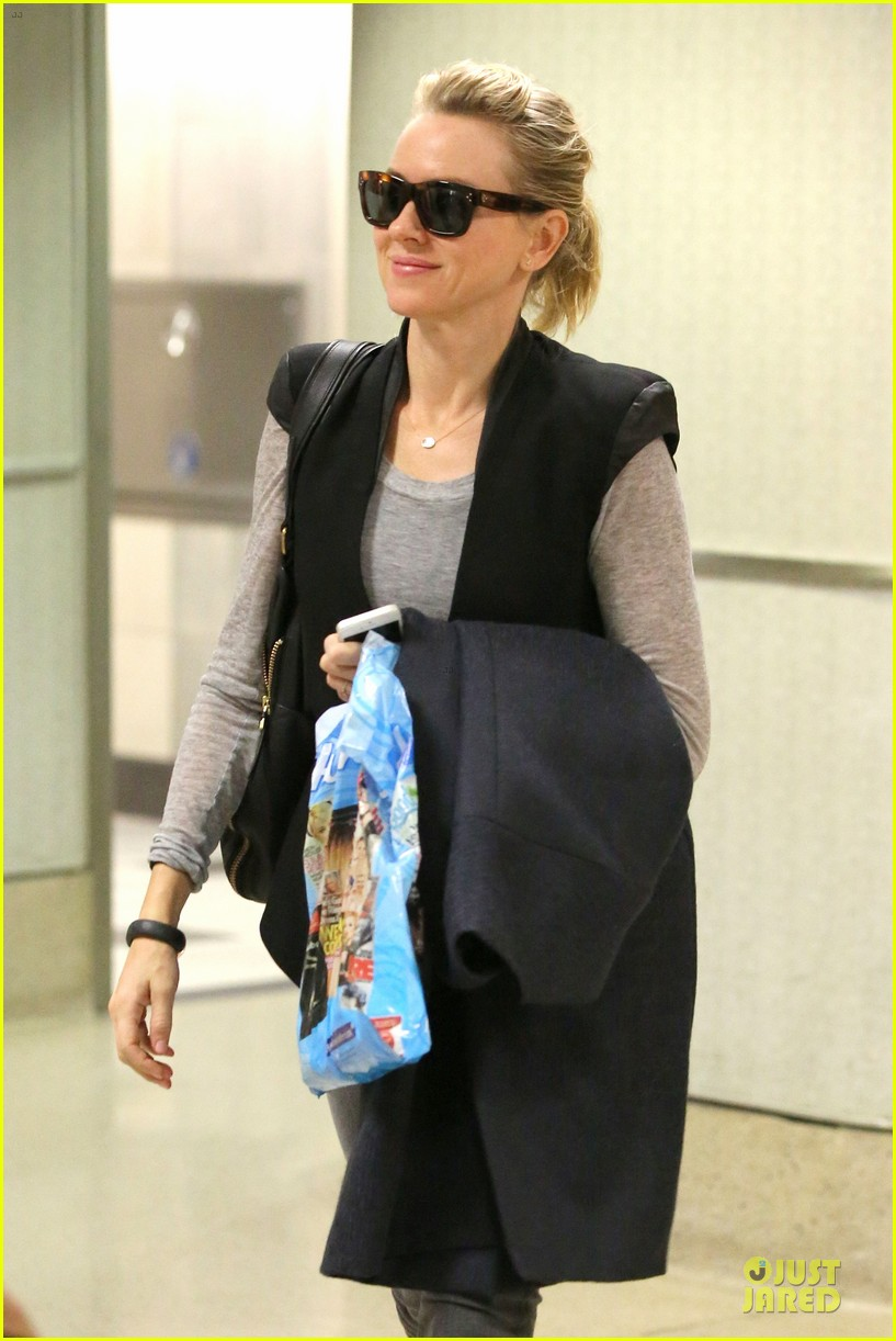 naomi watts liev schreiber hold hands for post valentine day date with the boys 06