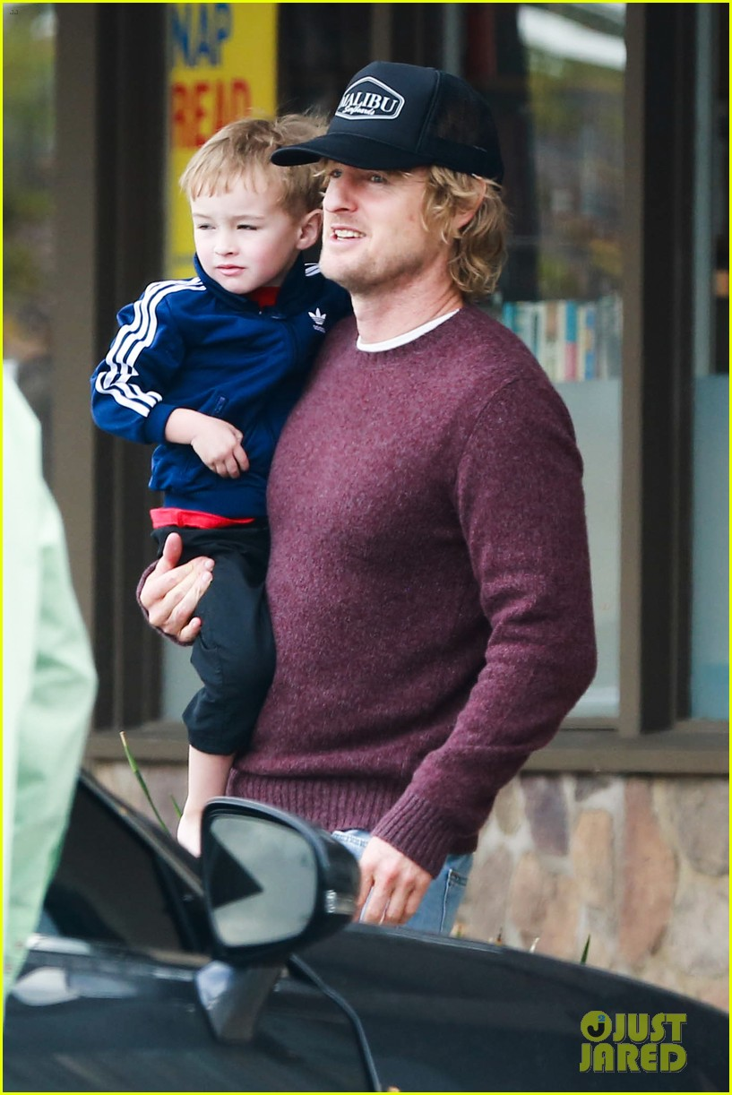 owen wilson is a doting dad after birth of his new son 11