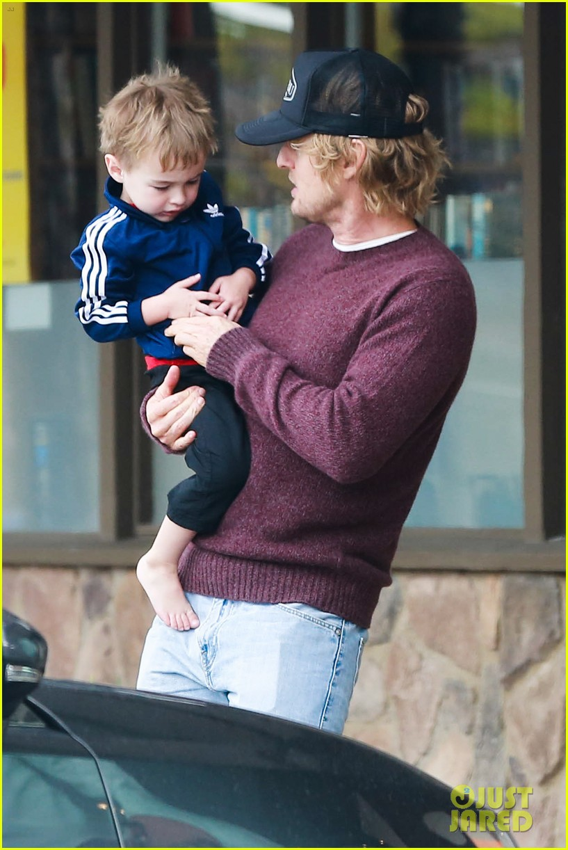 owen wilson is a doting dad after birth of his new son 173046888