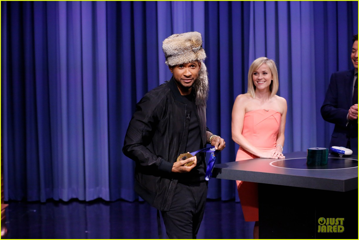 reese witherspoon catch phrase with usher on tonight show 02