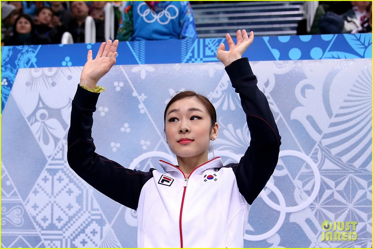 olympic figure skater yuna kim did you know shes also a singer 01