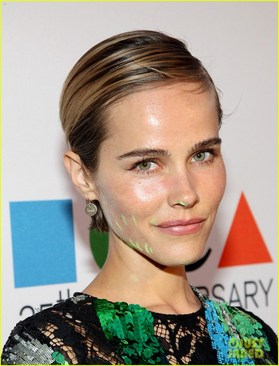 dianna agron isabel lucas moca anniversary gala 13