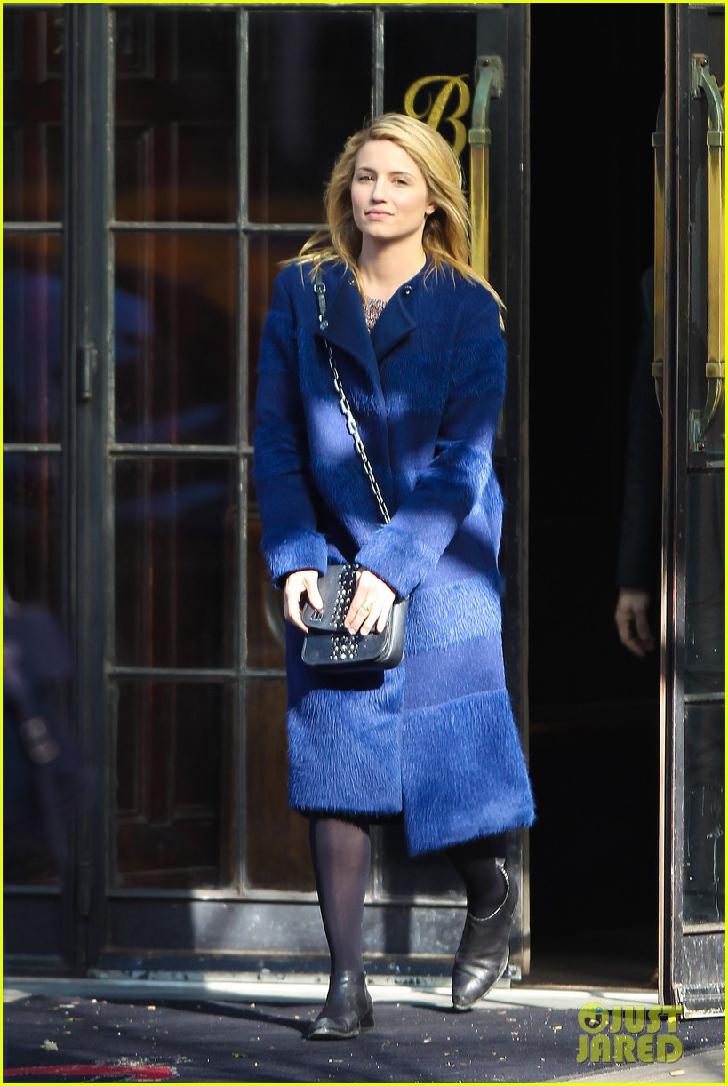 dianna agron roams new york city while glee films 013071459