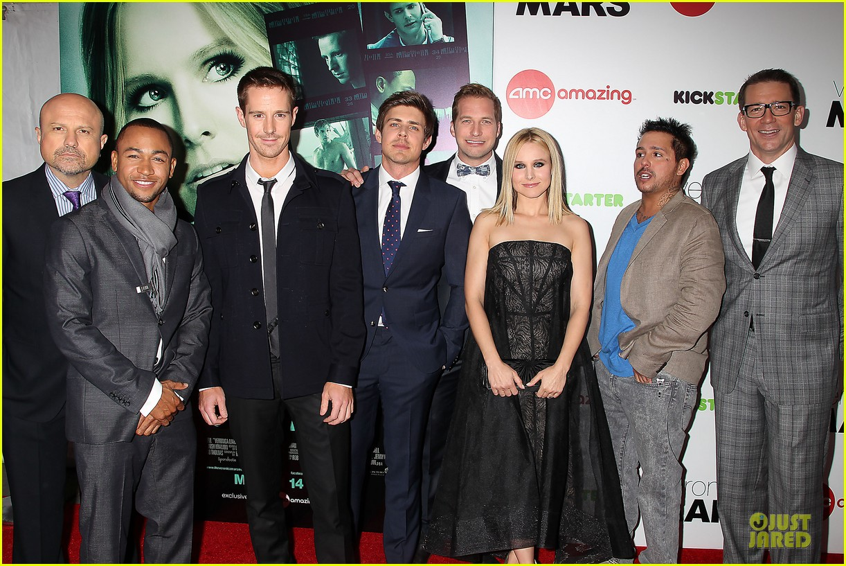 kristen bell chris lowell glam up the veronica mars nyc screening 04