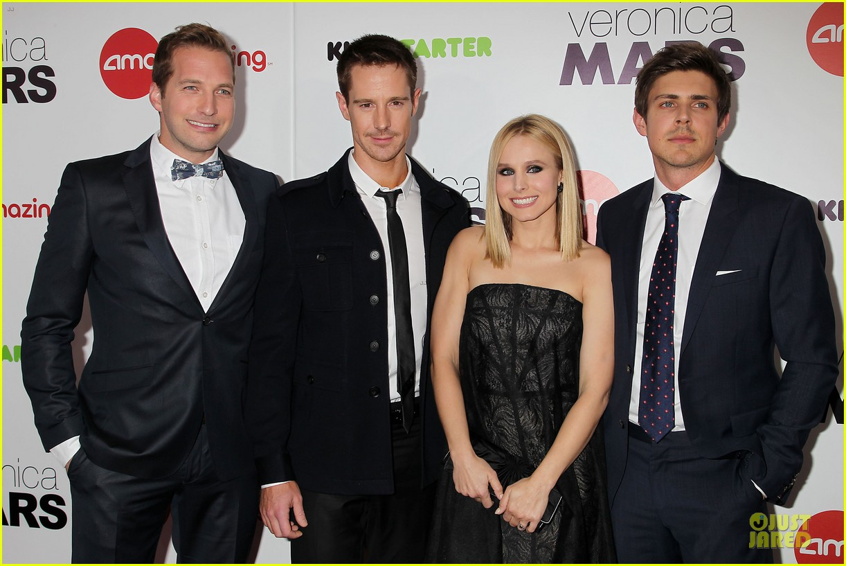 kristen bell chris lowell glam up the veronica mars nyc screening 063069532