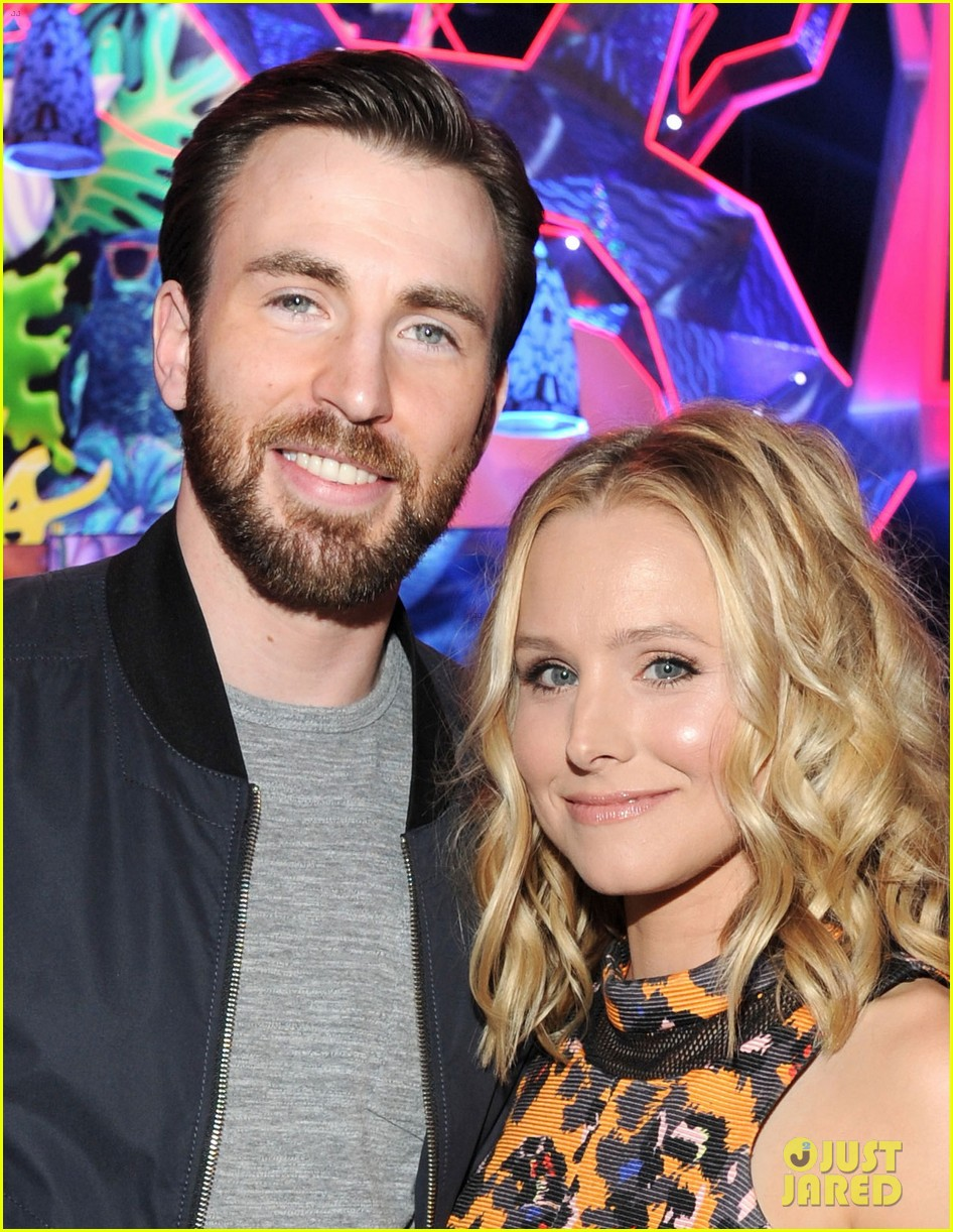 chris evans kristen bell present at kids choice awards 2014 05
