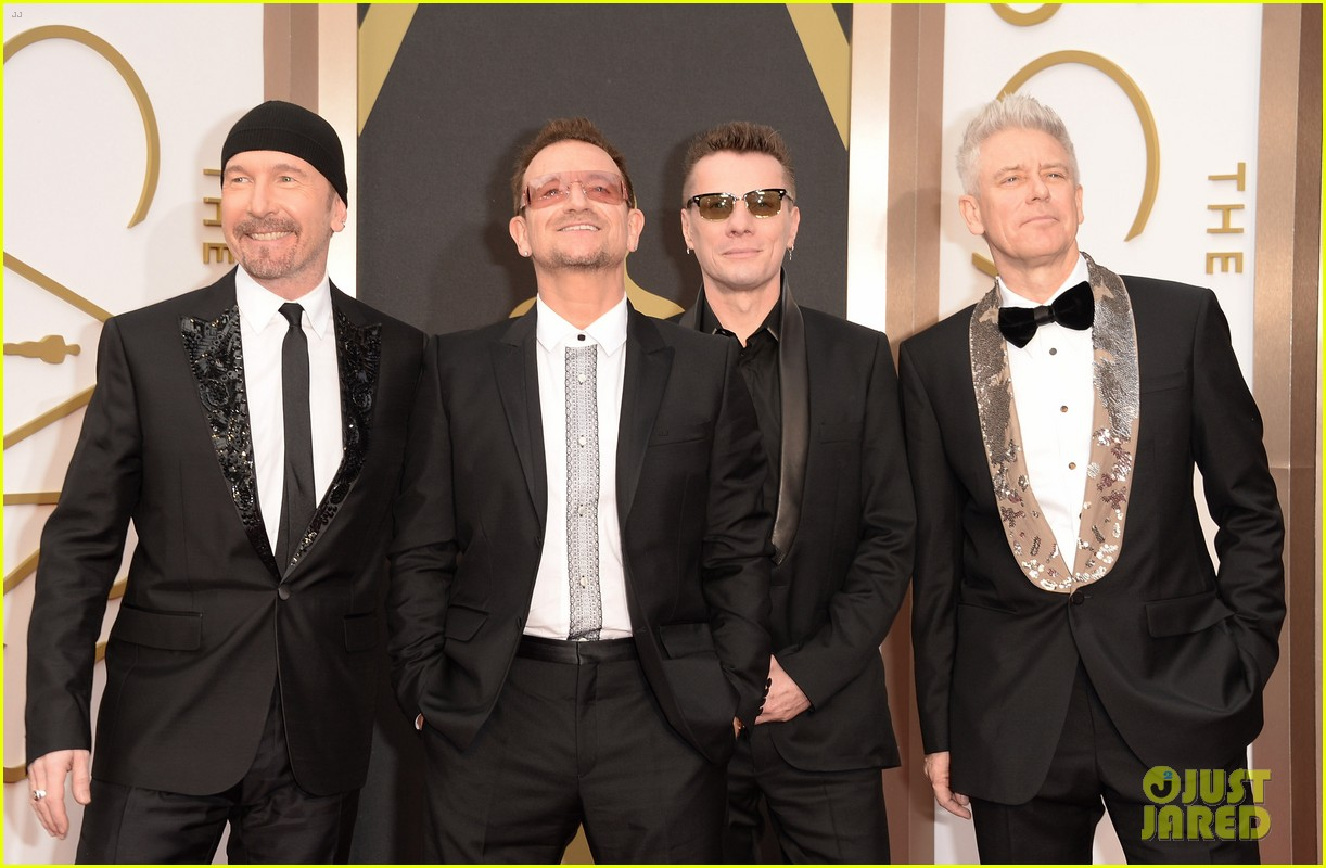 bono u2 walk oscars 2014 red carpet before performing 033064056