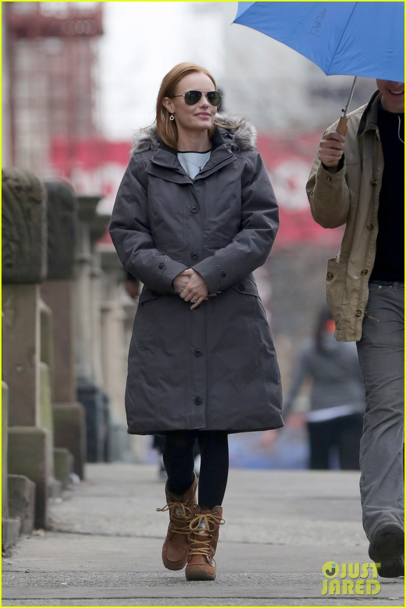 kate bosworth julianne moore dont let the freezing weather stop them on still alice set 193071888