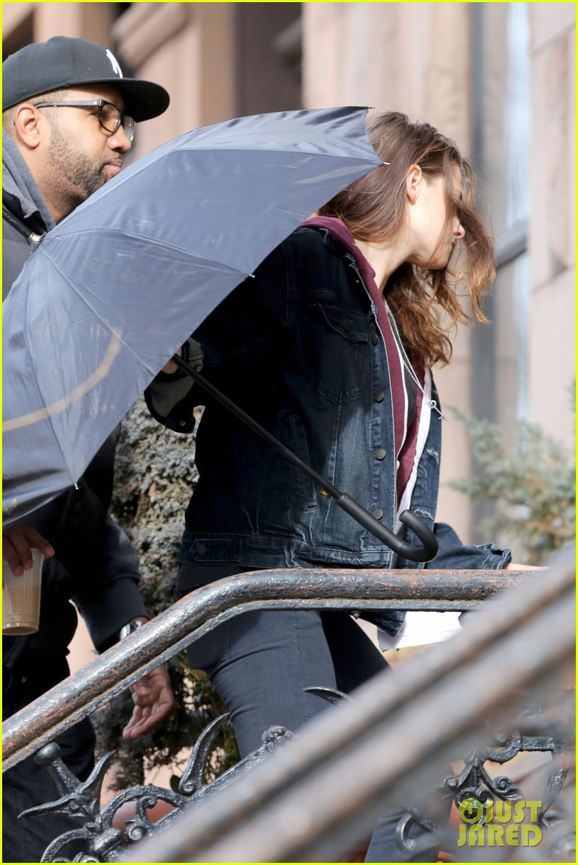 kate bosworth kristen stewart get ready for work on still alice set 223065933