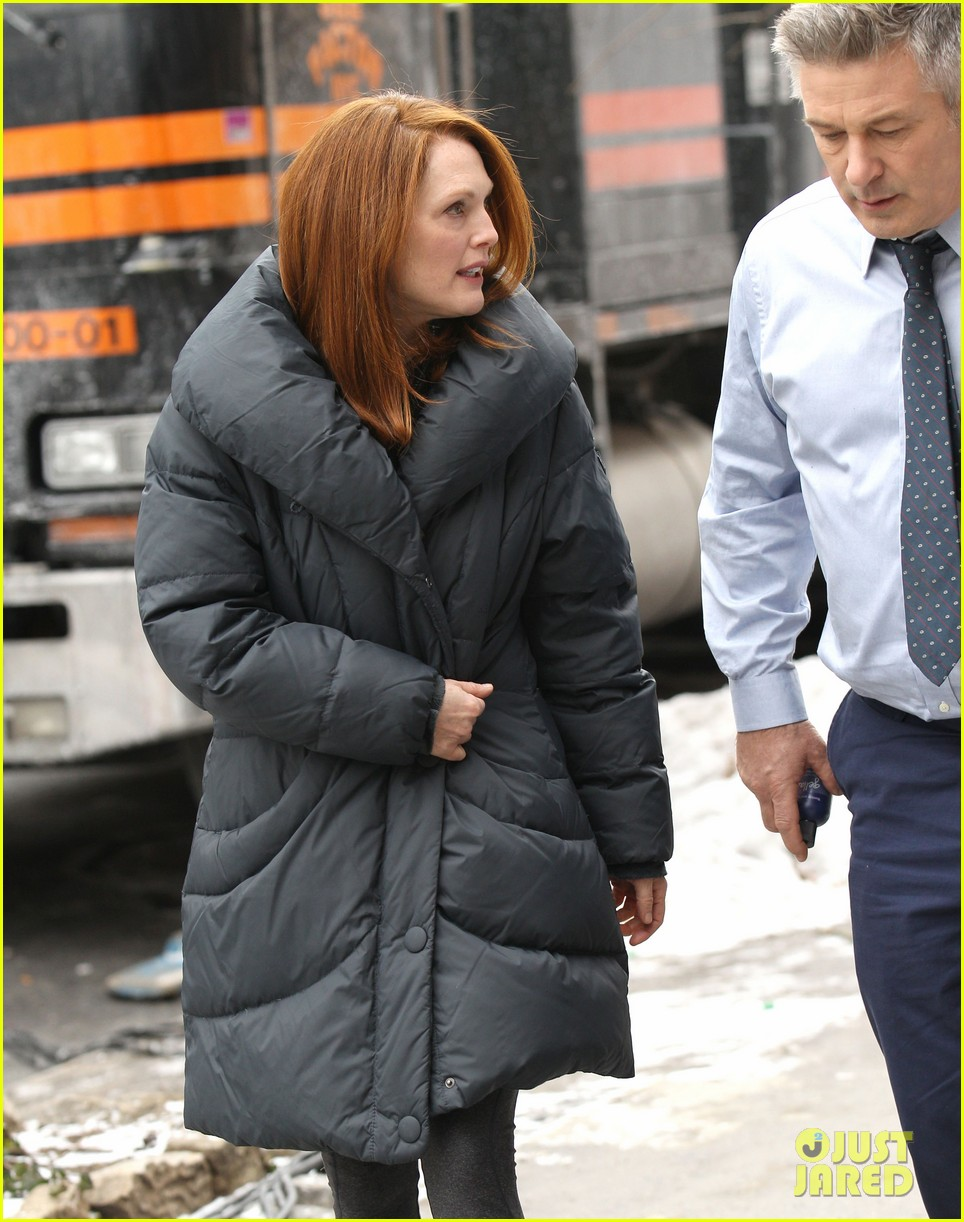 kate bosworth kristen stewart get ready for work on still alice set 303065938