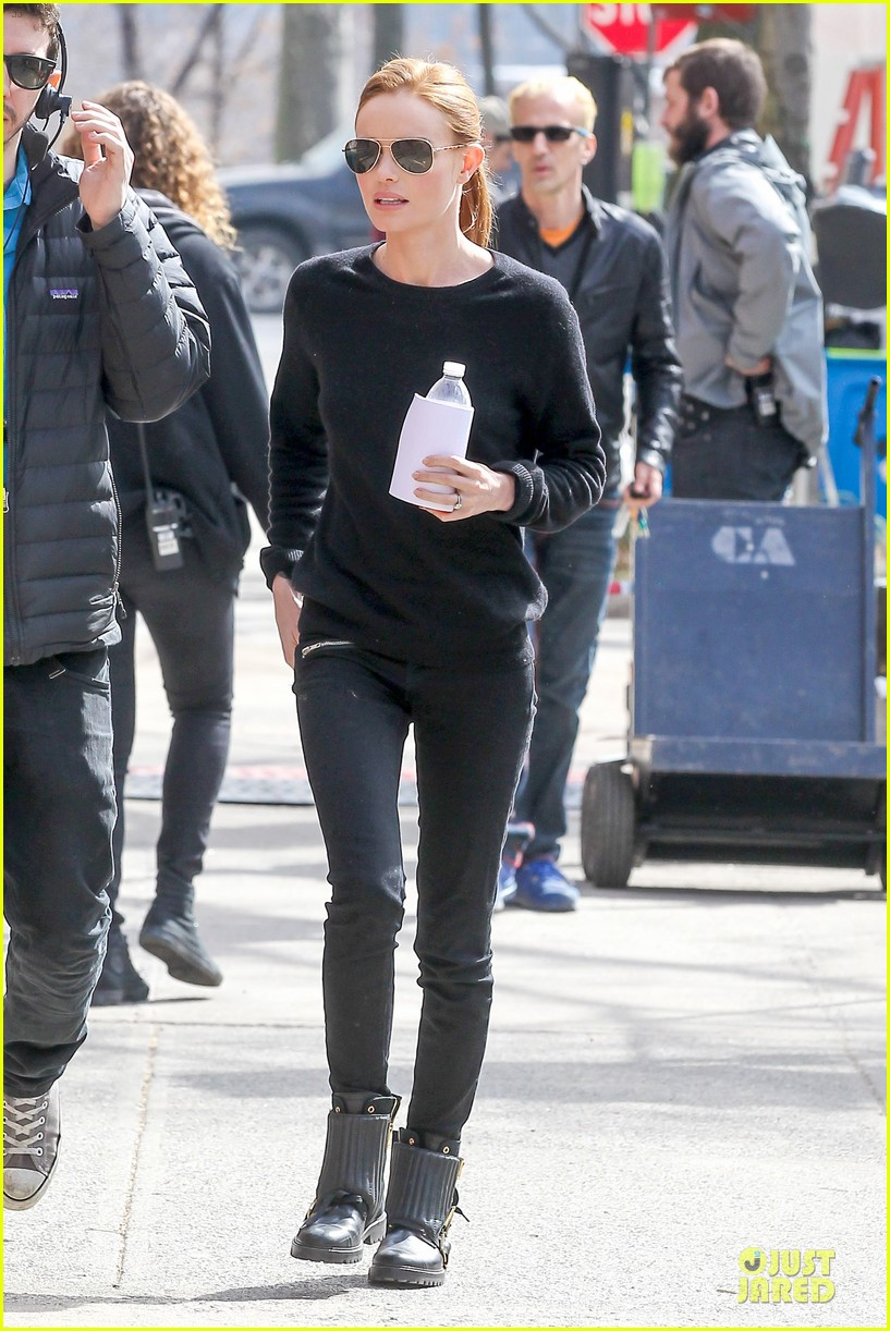 kate bosworth hides her water on still alice set 143069965
