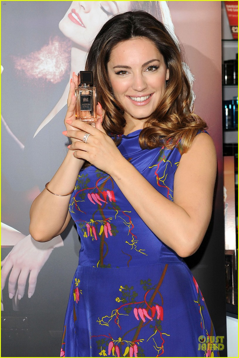 kelly brook audition perfume launch 02