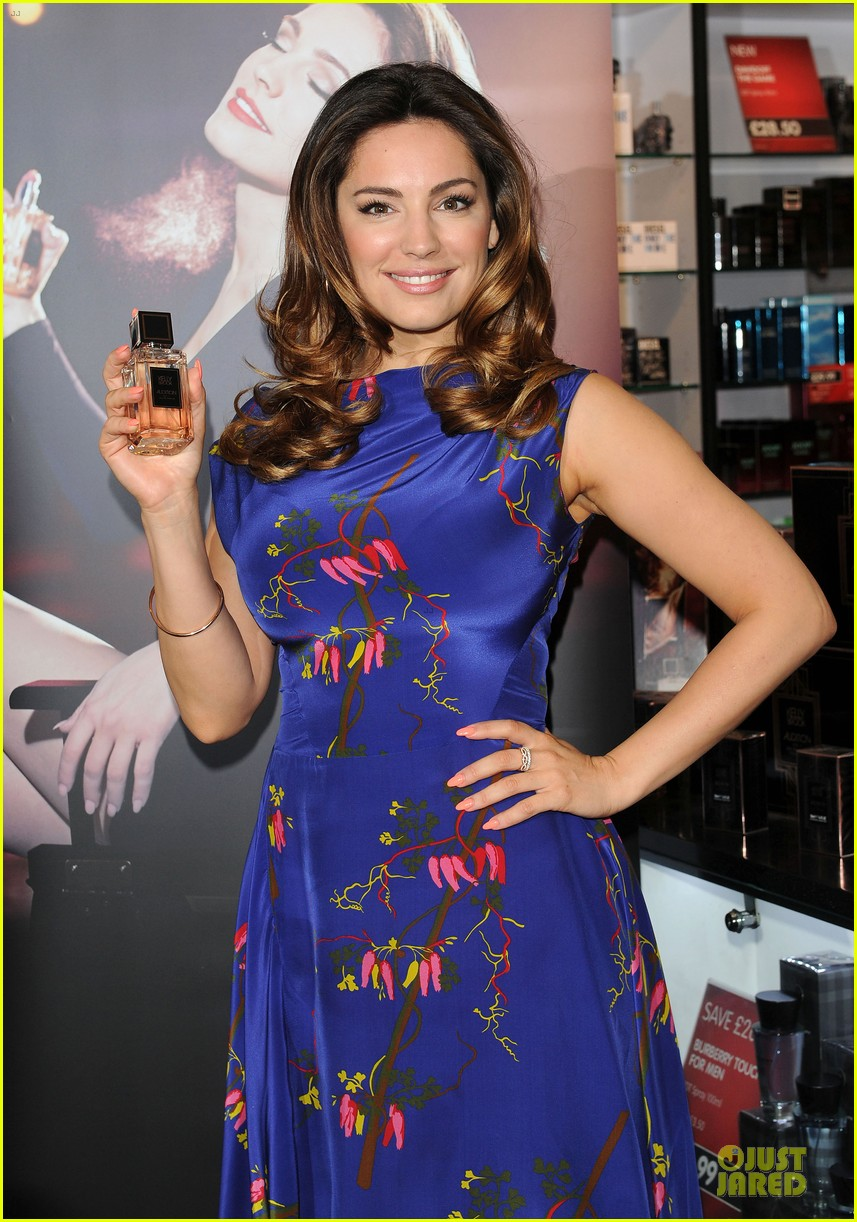 kelly brook audition perfume launch 04