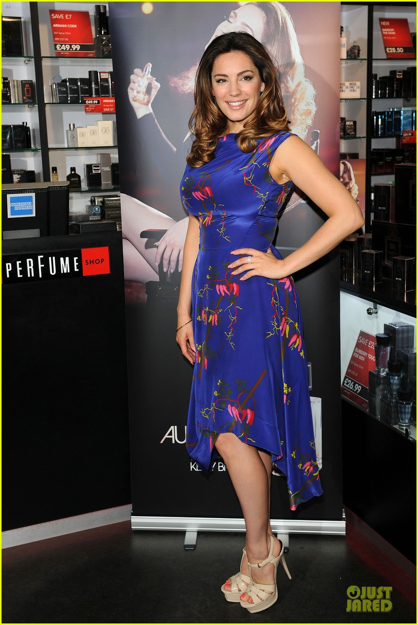 kelly brook audition perfume launch 12