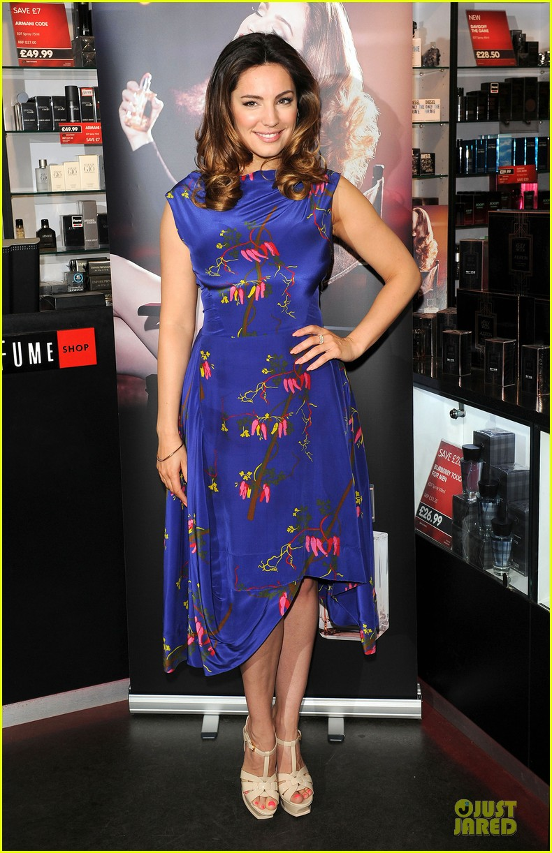 kelly brook audition perfume launch 133074059