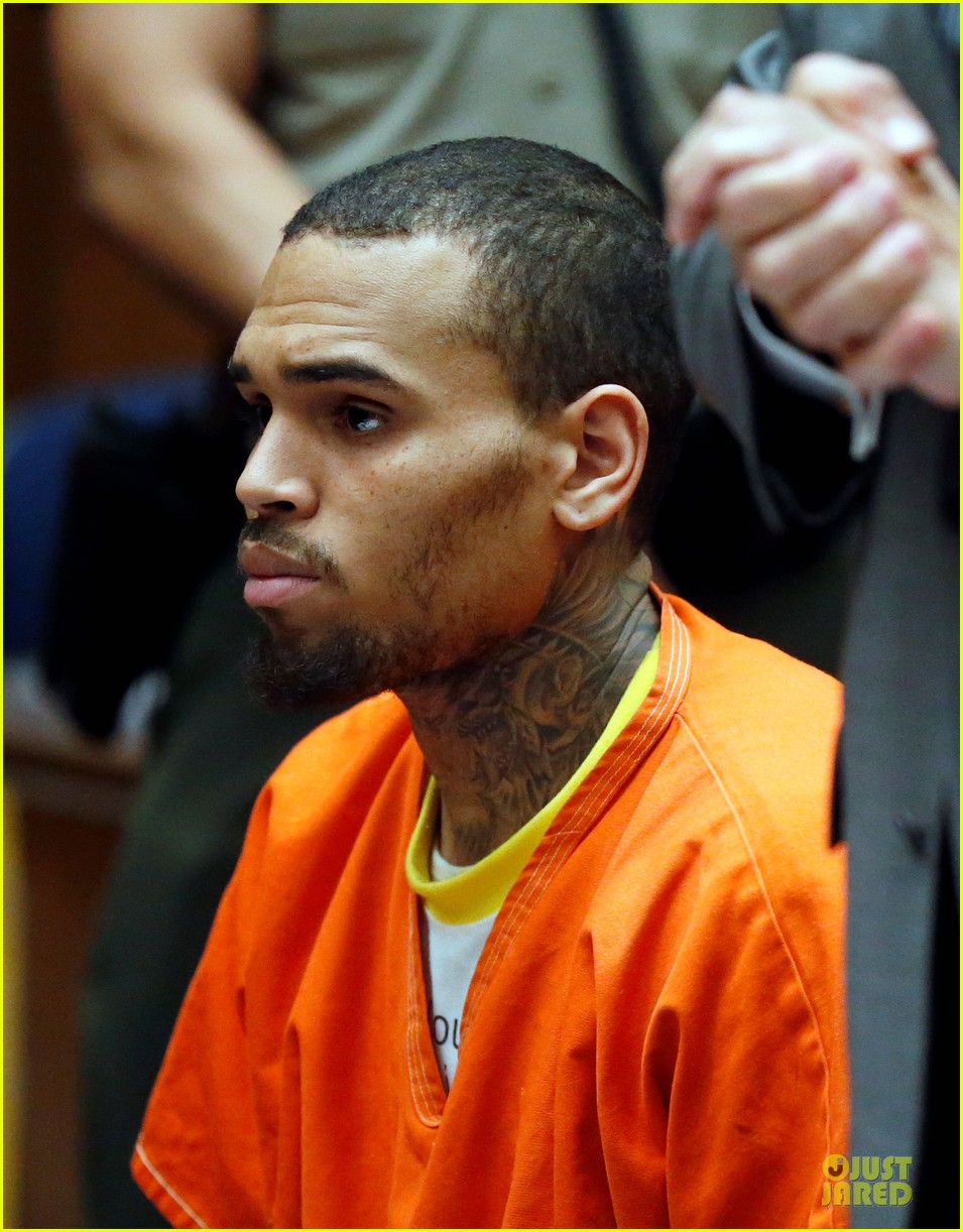 chris brown must stay in jail for one more month 073073597
