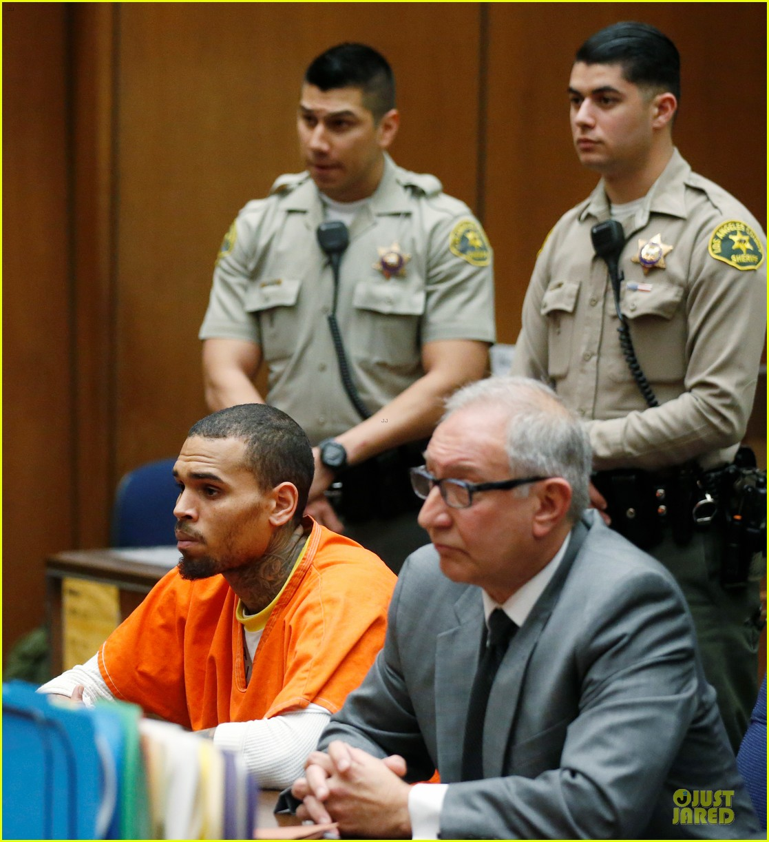 chris brown must stay in jail for one more month 08
