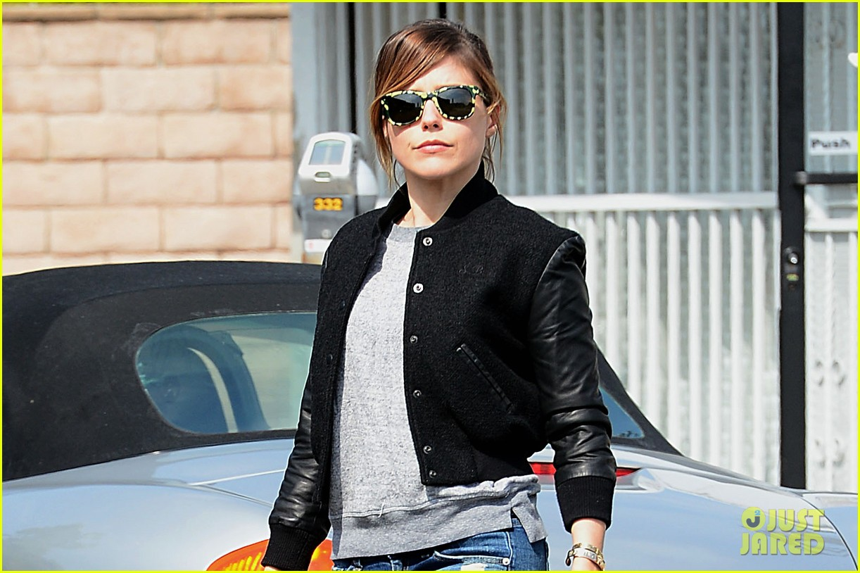 sophia bush makes nice with cops after they break up party 02