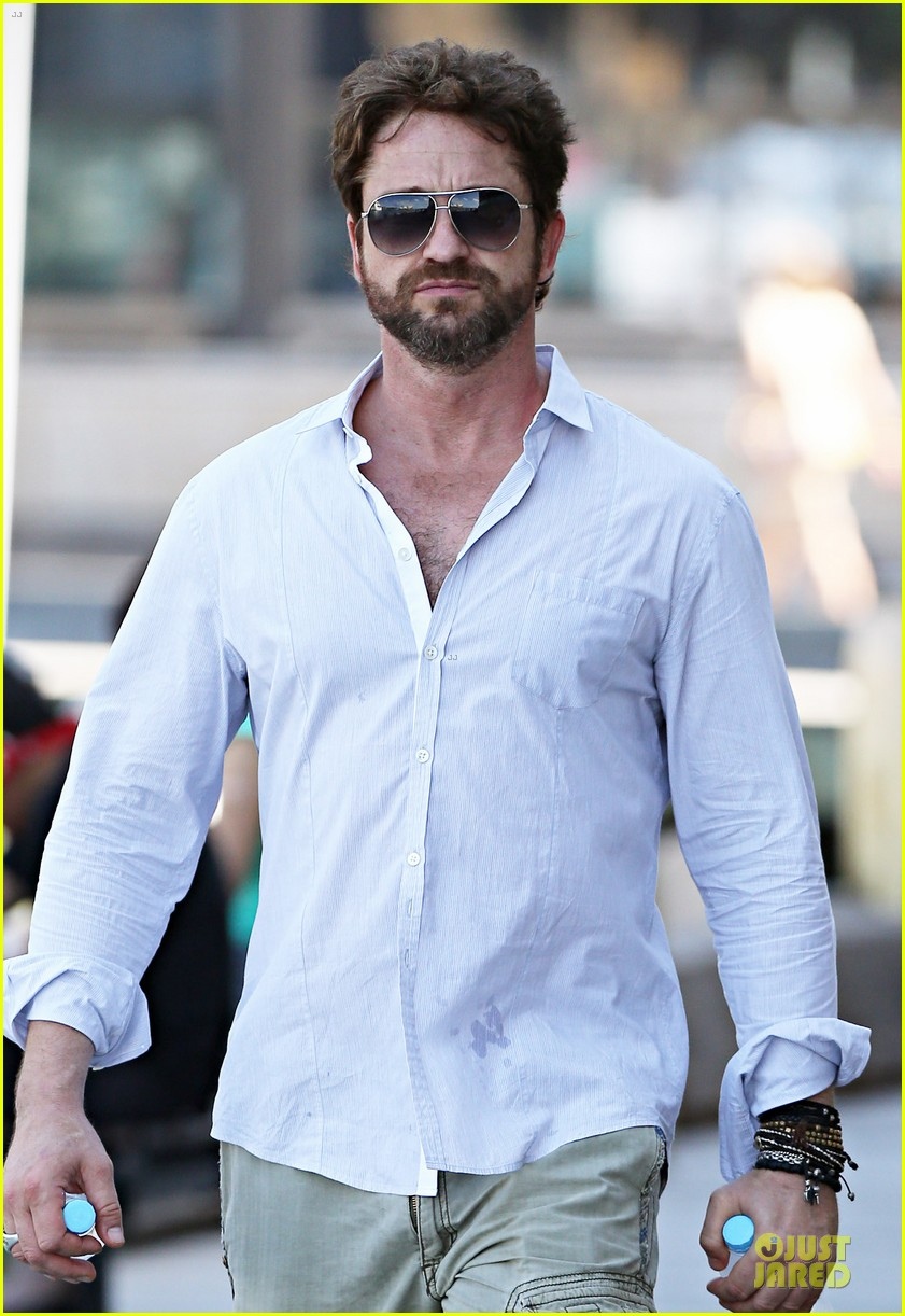 gerard butler crashed bachelorette party in australia 043074436
