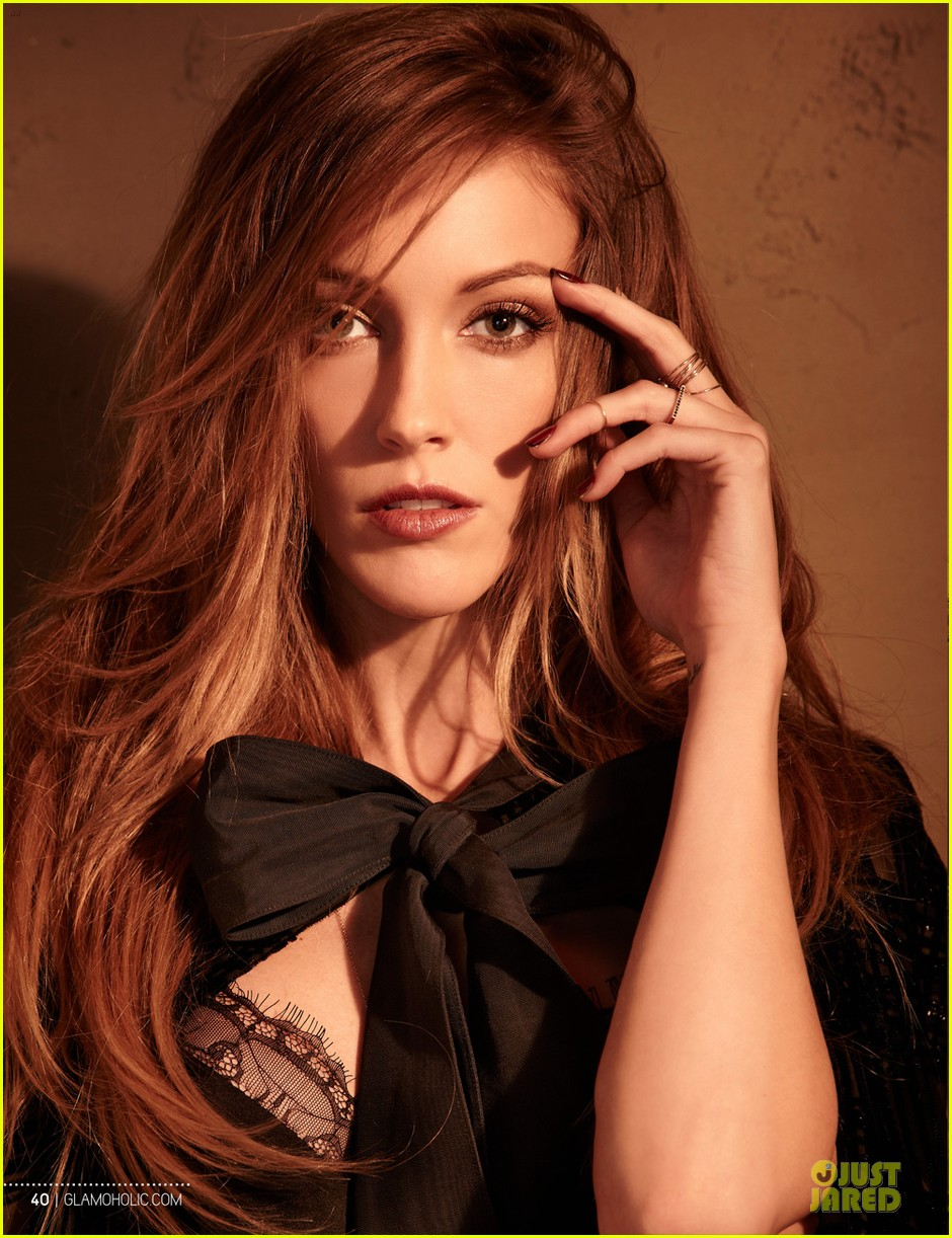 katie cassidy bares midriff for glamoholic cover 083076583
