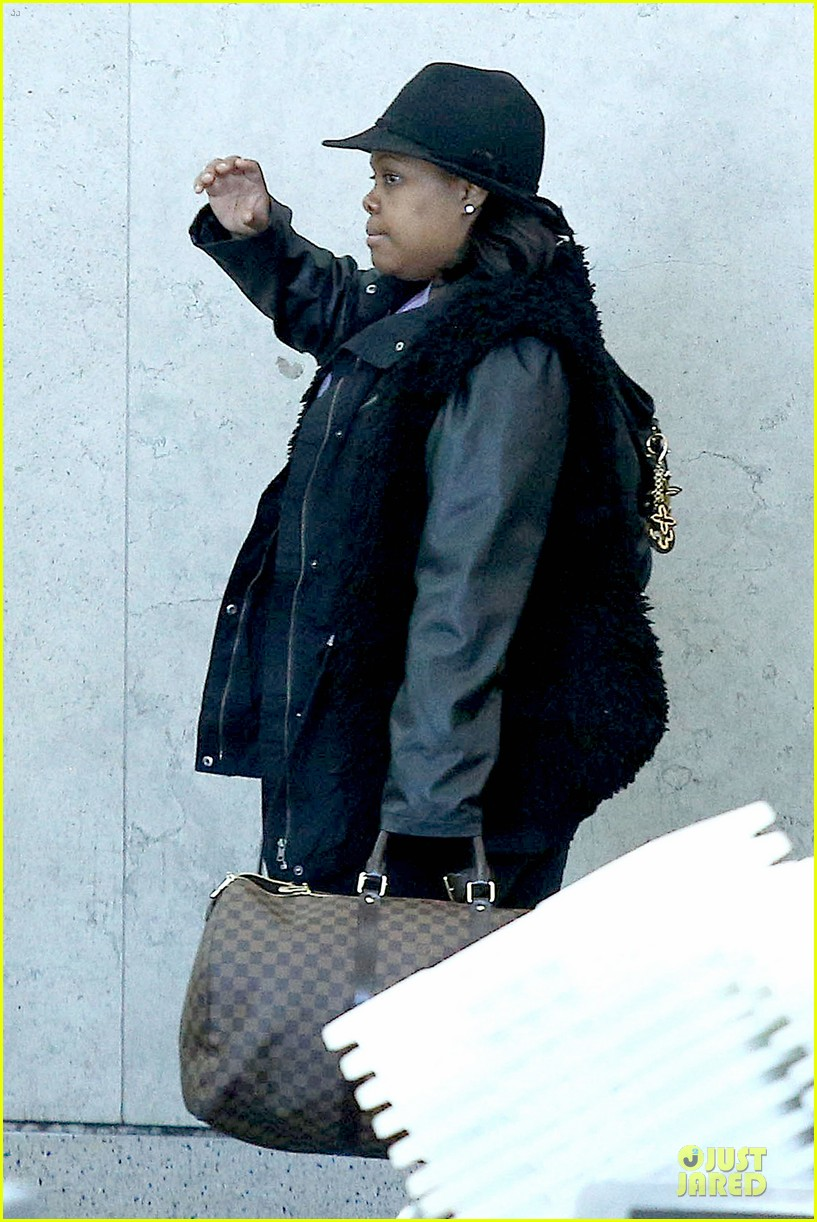 chord overstreet give amber riley jacket to stay warm 04