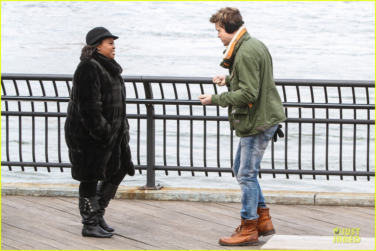 chord overstreet give amber riley jacket to stay warm 09
