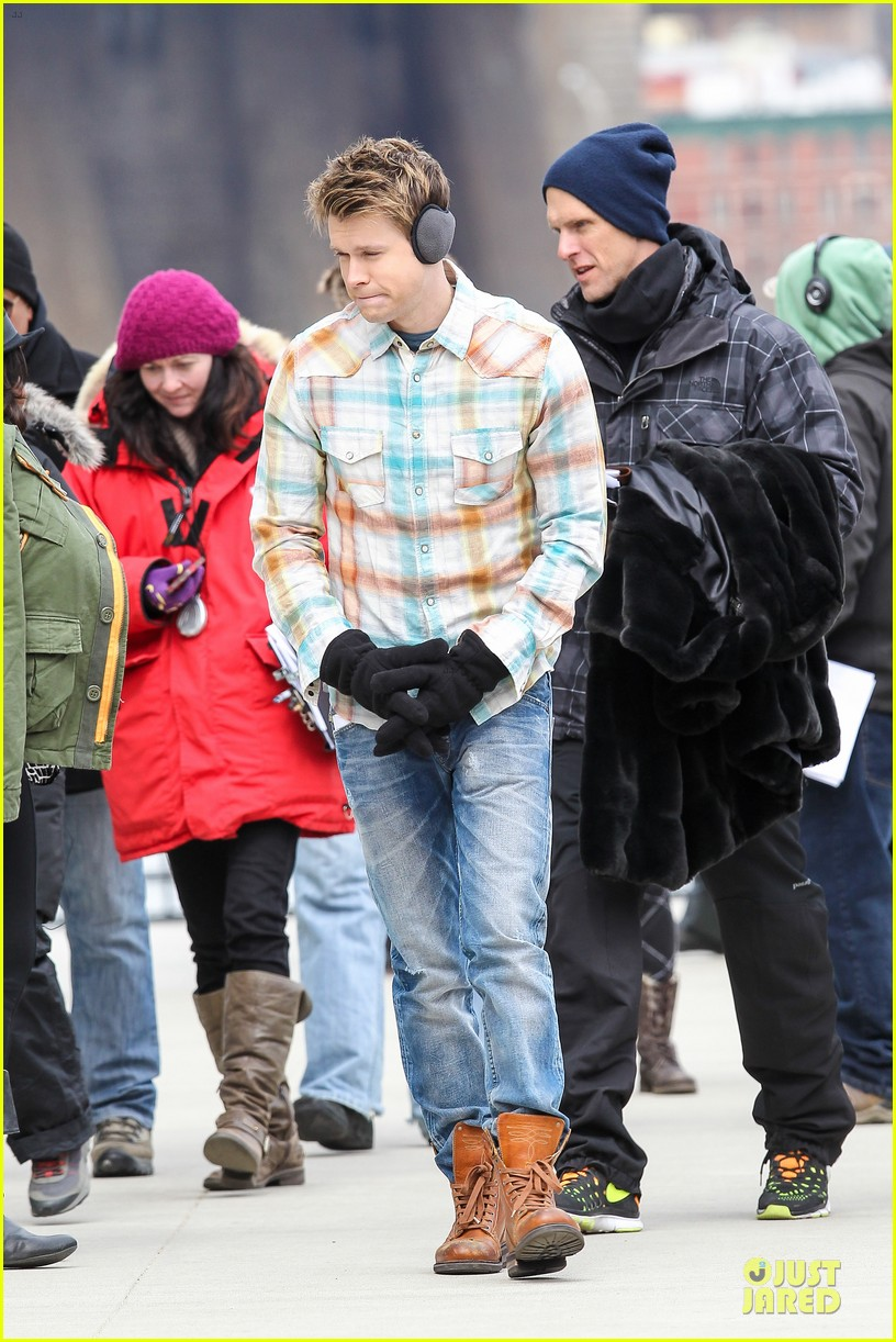 chord overstreet give amber riley jacket to stay warm 17