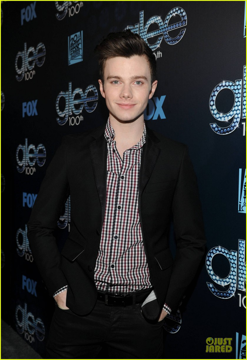 chris colfer darren criss glee 100th episode celebration 083074477