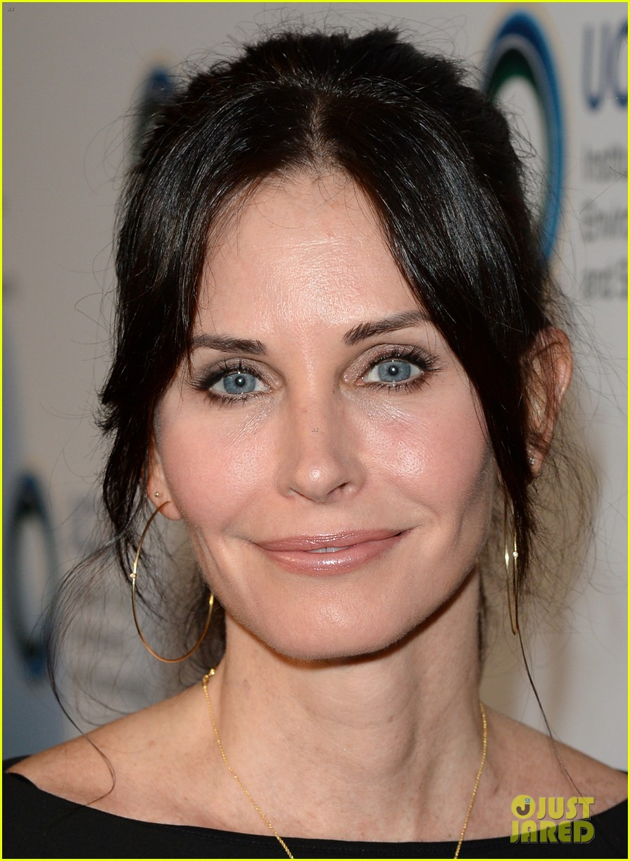 courteney cox boyfriend johnny mcdaid look so in love 293076832