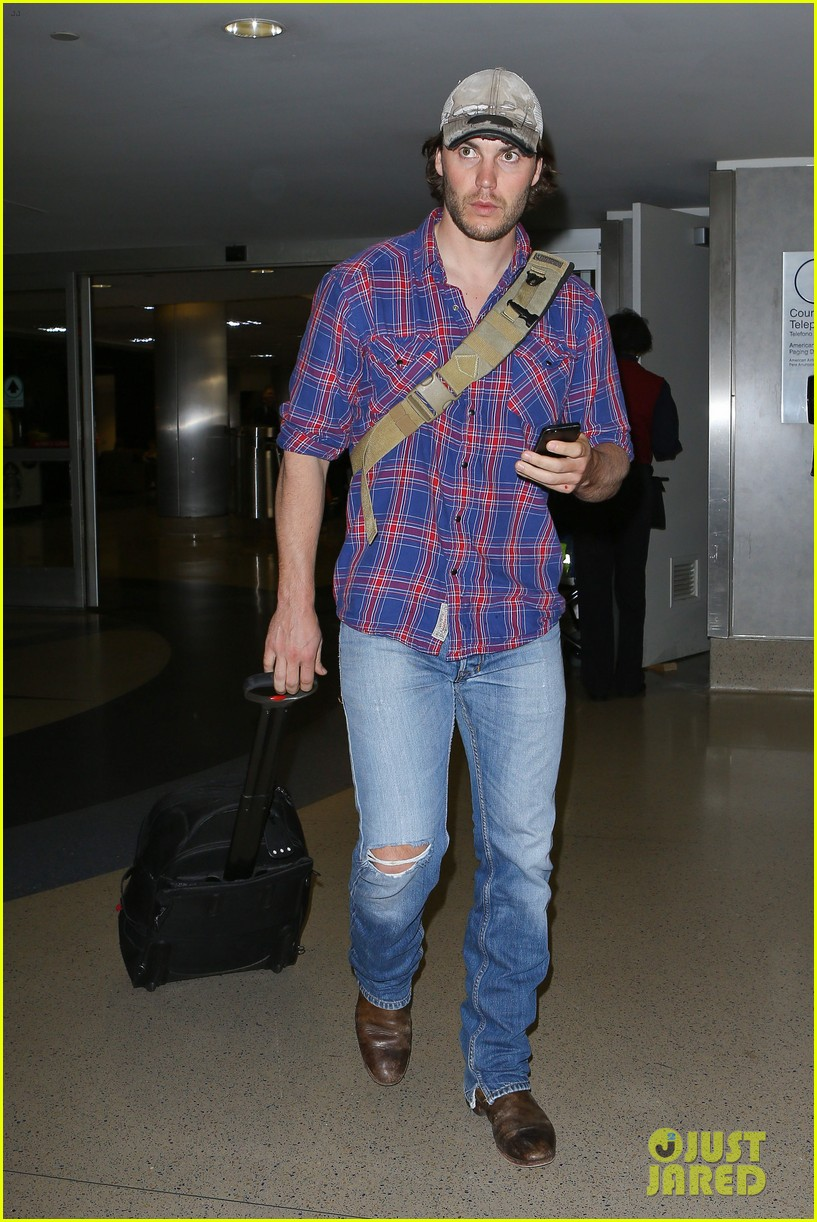brooklyn decker taylor kitsch battleship reunion lax 093073641