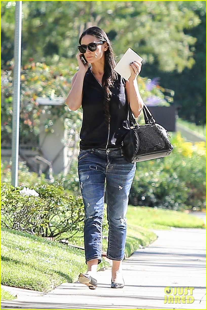 demi moore birthday party boyfriend jeans 273072810