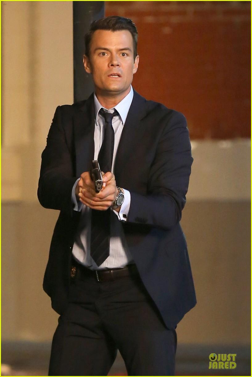 Josh Duhamel Scares the Bad Guys with a Gun for 'Battle Creek'!