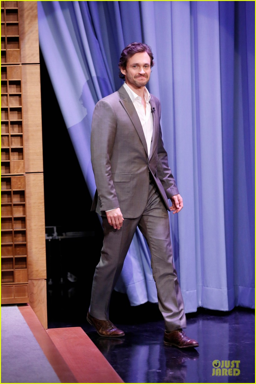lena dunham hugh dancy play pyramid on tonight show 05