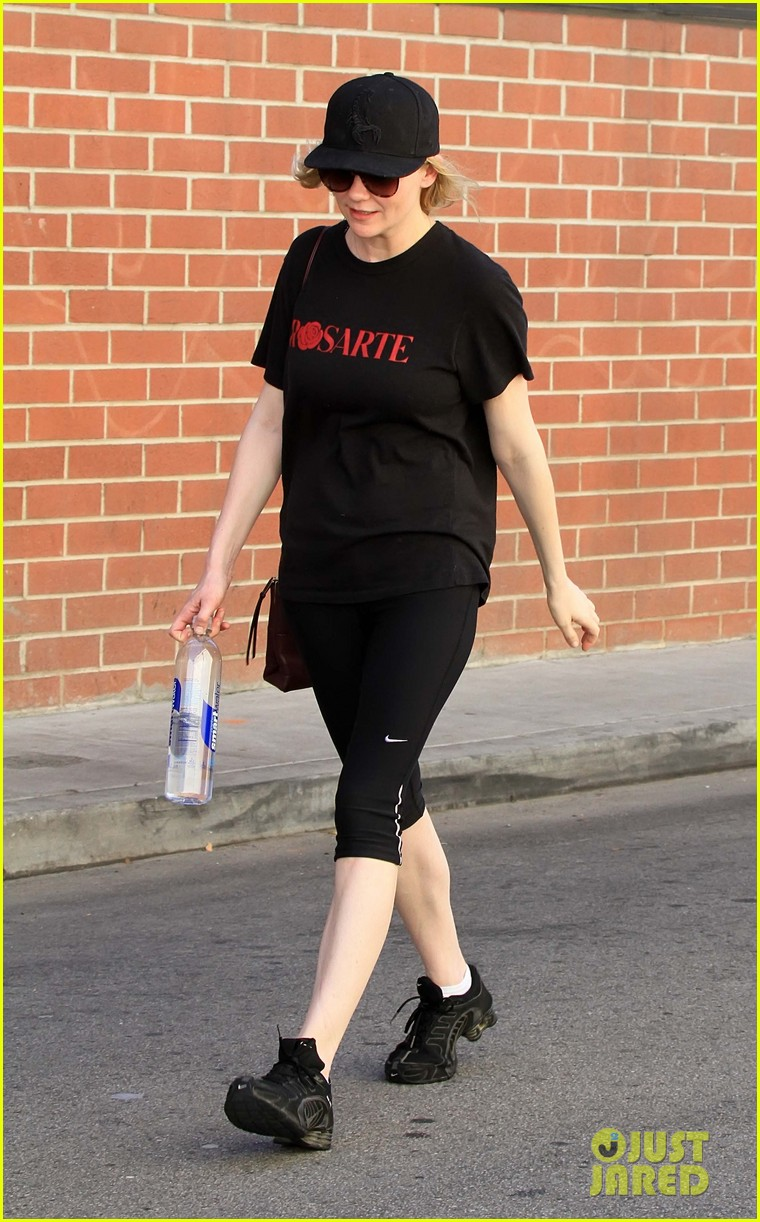 kirsten dunst is all about rodarte at the gym 10