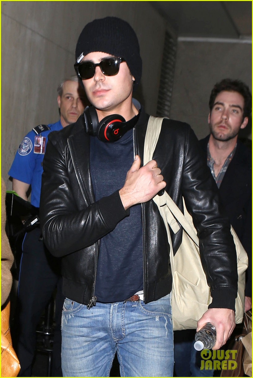 zac efron ashton kutcher fly out of austin after sxsw 09