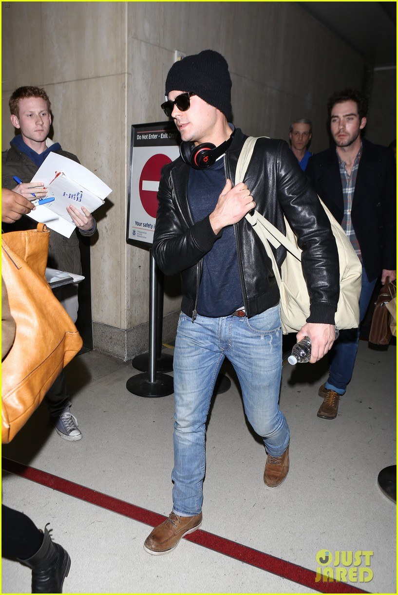 zac efron ashton kutcher fly out of austin after sxsw 25