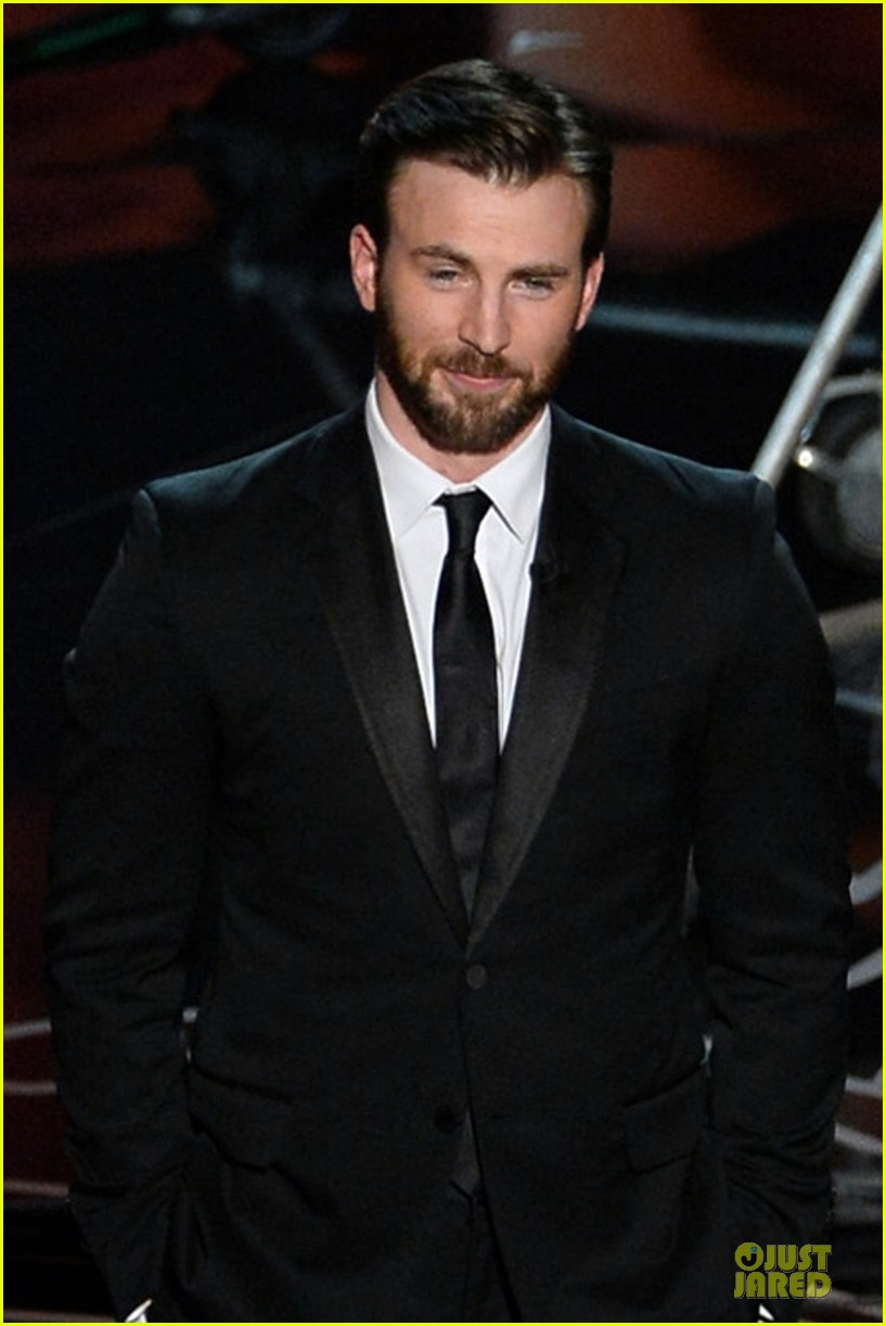 presenter chris evans suits up at oscars 2014 043064197